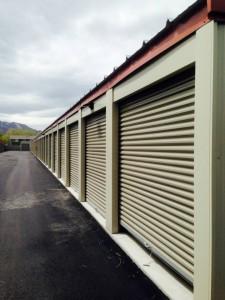 self storage units magna